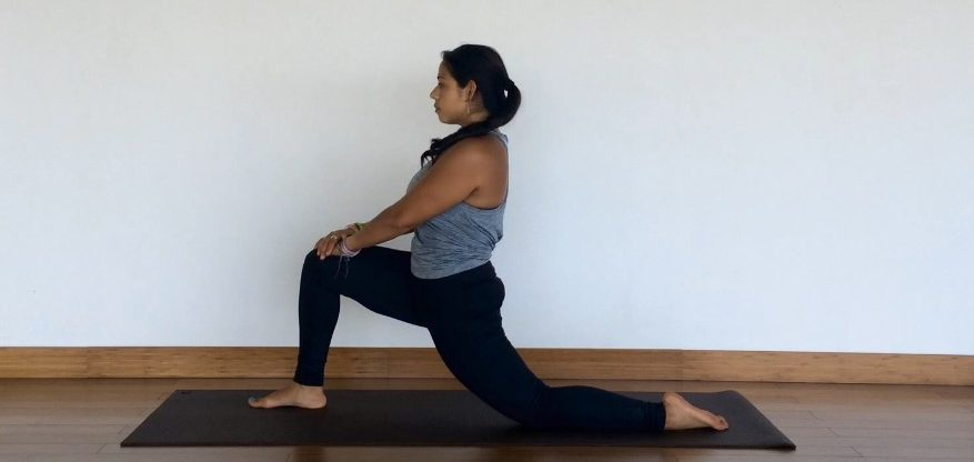 yoga tutorial: anjaneyasana